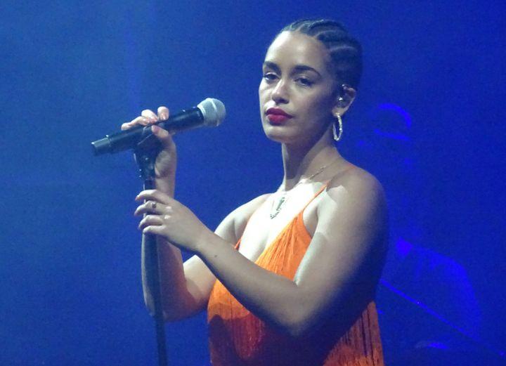 La prometteuse anglaise Jorja Smith, samedi sur la scène Canopée de We Love Green.  (Laure Narlian / Culturebox)