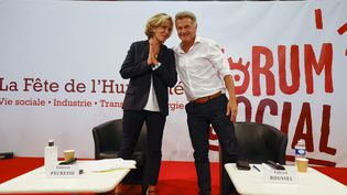 Débat entre la candidate de Libres ! Valérie Pécresse et celui du Parti Communiste Fabien Roussel à la fête de l'Humanité samedi 11 septembre. (OLIVIER CORSAN / MAXPPP)