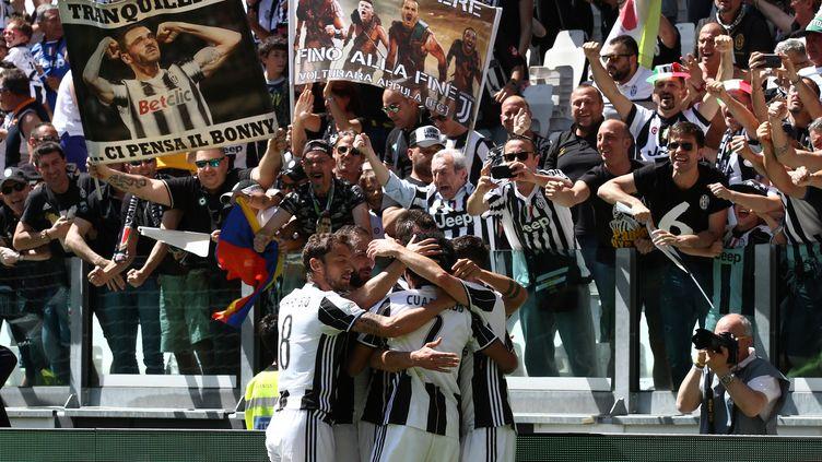 Le bonheur des joueurs de la Juventus, en communion avec leur public (MATTEO BOTTANELLI / NURPHOTO)