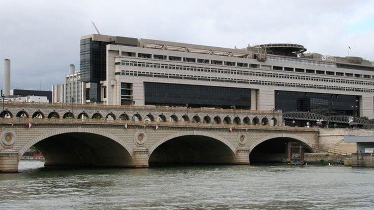 (Le ministère de l'Economie et des Finances va devoir gérer cette énorme dette © RF/ Catherine Grain)