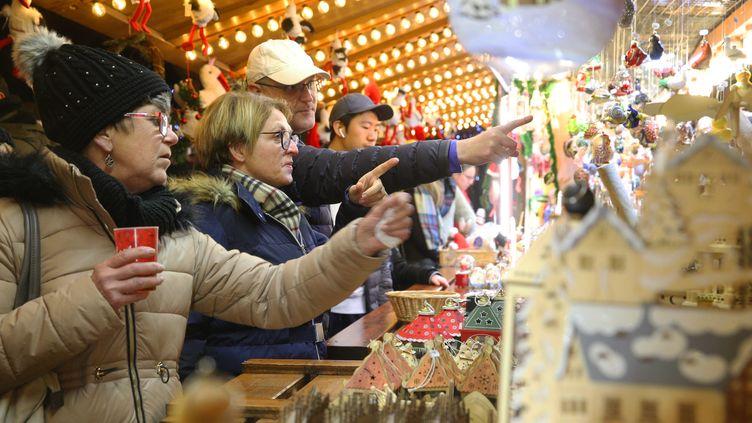 Au Marché de Noël de Strasbourg en 2019. (JEAN-MARC LOOS / PHOTOPQR / L'ALSACE / MAXPPP)