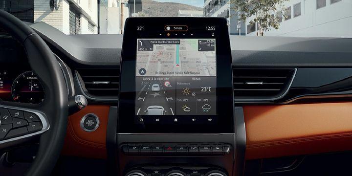 La tablette du Captur 2, un écran vertical de 9,3 pouces. (RENAULT POUR FRANCE INFO)