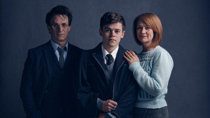 Jamie Parker (Harry Potter), Sam Clemmett (Albus Severus) et Poppy Miller (Ginny).  (Pottermore)