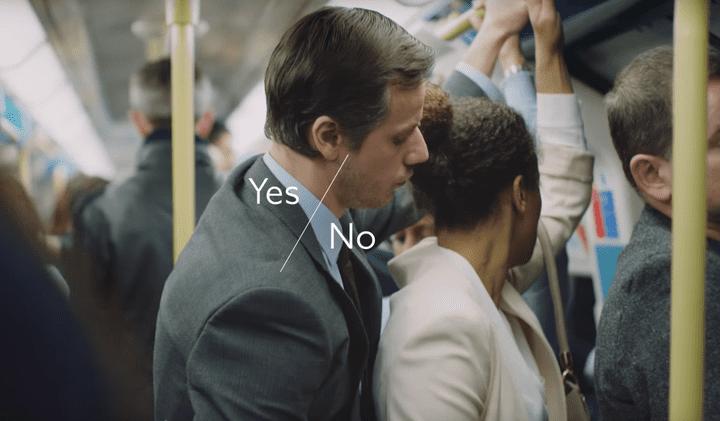 Capture d'écran d'une vidéo dénonçant le harcèlement sexuel dans les transports à Londres (Royaume-Uni), en avril 2015. (TRANSPORT FOR LONDON)