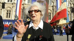 La résistante Cécile Rol-Tanguy lors d'une cérémonie pour le 65e anniversaire de la Libération de Paris, le 25 août 2009. (BERTRAND GUAY / AFP)