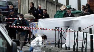 Devant le collège-lycée juif de Toulouse, où le tueur au scooter a sévi pour la dernière fois, le 19 mars 2012. ( / X00938)