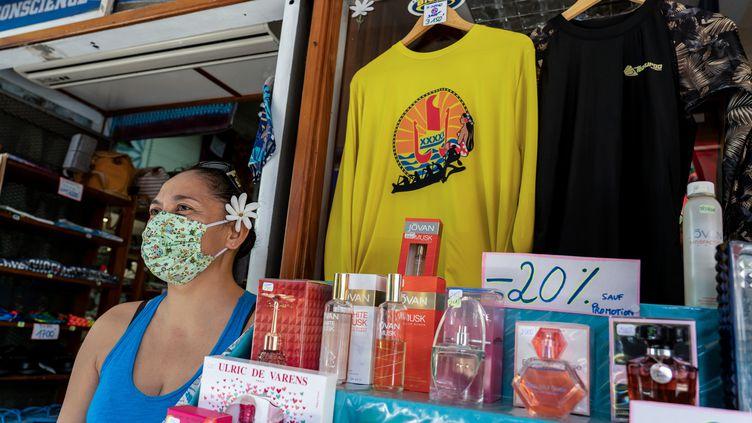 Une boutique à Papeete, le 30 avril 2020. (SULIANE FAVENNEC / AFP)
