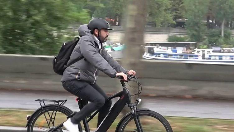 Vélo : des adeptes toujours plus nombreux au quotidien (France 3)