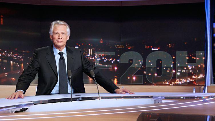 Dominique de Villepin sur le plateau du 20 heures de TF1 dimanche 11 décembre 2011. (THOMAS SAMSON / AFP)