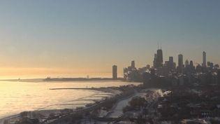 La région de Chicago (Illinois) ainsi que Milwaukee (Wisconsin) sont frappées par une vague de froid jamais vue depuis la fin des années 90. (CAPTURE D'ÉCRAN FRANCE 2)