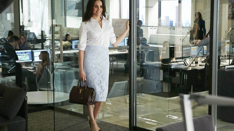 """Meghan Markle dans la série """"Suits : avocats sur mesure"""", en 2014. (UNIVERSAL TELEVISION / HYPNOTIC / AFP)"""