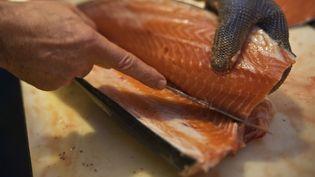 Les usines bretonnes du groupe norvégien Marine Harvest produisent principalement du saumon et de la truite fumés. (JEAN-DANIEL SUDRES / HEMIS.FR / AFP)
