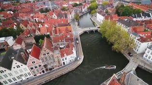 Vue aérienne de la ville de Bruges, en Belgique (Capture d'écran France 2)