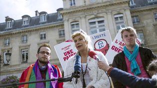 Frigide Barjot donne une conférence de presse, le 29 mai 2013 à Paris. (FRED DUFOUR / AFP)