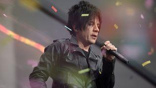 Le leader du groupe Indochine, Nicolas Sirkis en concert au STADEFRANCE. (STEPHANE DE SAKUTIN / AFP)