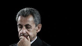 Nicolas Sarkozy, le 8 octobre 2021 à Bordeaux (Gironde). (PHILIPPE LOPEZ / AFP)