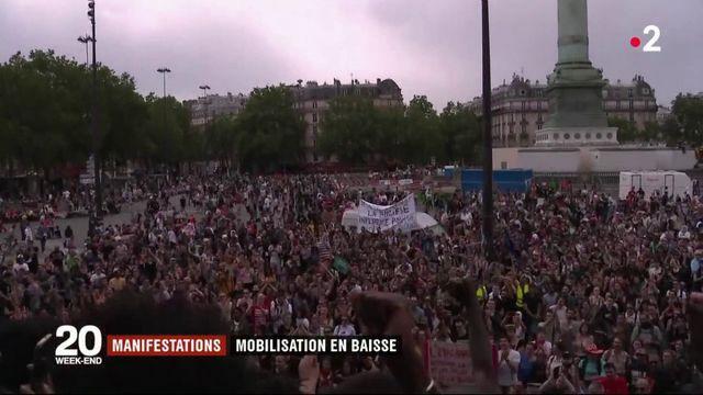 """Une """"marée populaire"""" a défilé contre les réformes du gouvernement"""