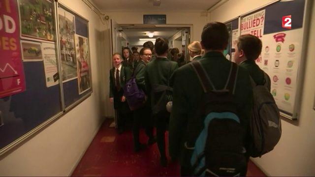 Angleterre : l'école sans portable