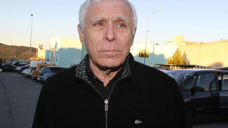 Christian Iacono, l'ancien maire de Vence (Alpes-Maritimes), regagne la prison de Grasse, le 9 janvier 2012. (SERGE HAOUZI / MAXPPP)