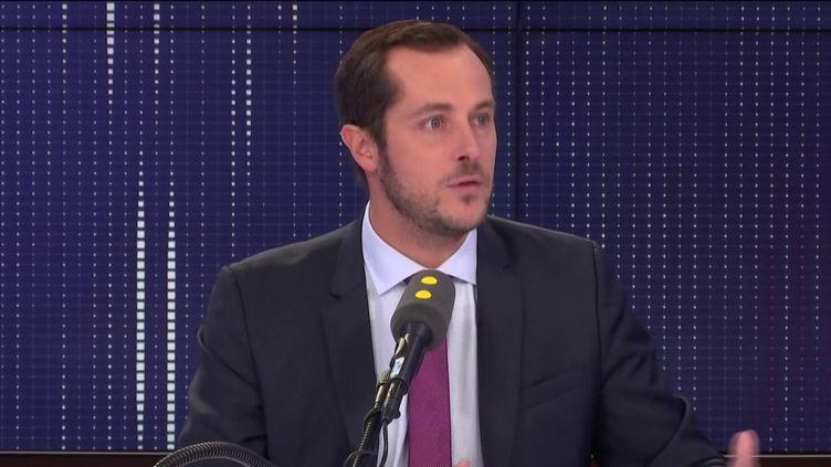 """Nicolas Bay, député européen Rassemblement national, invité du """"8.30 franceinfo"""", lundi 16 septembre 2019. (FRANCEINFO / RADIOFRANCE)"""