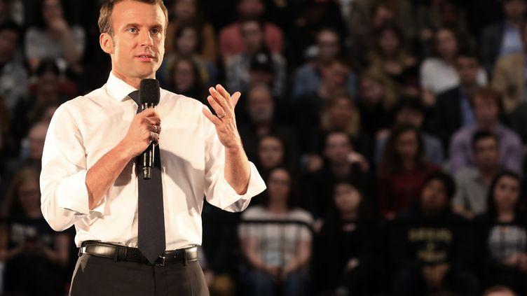 Emmanuel Macron devant des étudiants à Washington (Etats-Unis), le 25 avril 2018. (LUDOVIC MARIN / AFP)