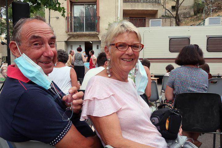 """Jacques et Annie Andriot, vacanciers, venus assister au spectacle """"La cuisine des auteurs"""", Treilles, le 23 juin 2021 (Laurence Houot / FRANCEINFO CULTURE)"""