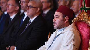 Le roi du Maroc Mohammed VI lors du discours du directeur général de PSA Peugeot Citroen, le 19 juin 2015, au palais royal de Rabat (Maroc). (FADEL SENNA / AFP)