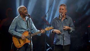 """Gilberto Gil et Chico Buarque au """"Festival Lula Libre"""", juillet 2018  (Mauro Pimentel / AFP)"""