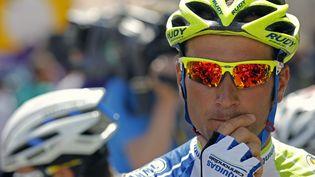 Le coureur italien Ivan Basso, lors du départ de l'étape du Tour de France Belfort-Porrentruy, le 8 juillet 2012. (STEPHANE MAHE / REUTERS)