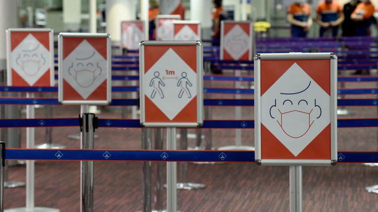 Terminal 2E à l'aéropor Roissy-Charles-de-Gaulle (illustration). (ERIC PIERMONT / AFP)