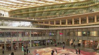 Consommation : les clients font leur retour dans les centres commerciaux. (FRANCE 2)