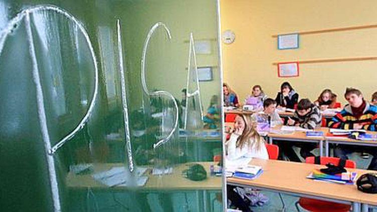 Dans un collège d'Arnsberg, en Allemagne, le 7 décembre 2010. (JULIAN STRATENSCHULTE / EPA)