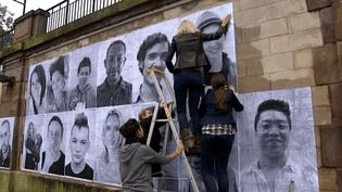Collage des portraits à Mulhouse  (France3/Culturebox)