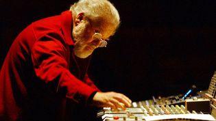 Pierre Henry en concert le 06 décembre 2002 à Nantes