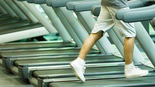 Des tapis de course dans une salle de sport (Illustration) (MAXPPP)