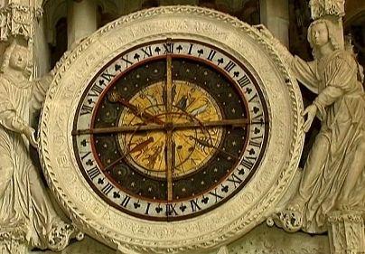 L'horloge astronomique a mobilisé les plus grands scientifiques de l'époque médiévale  (France 2/ Culturebox)