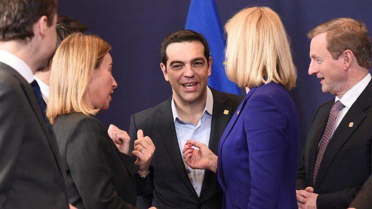 Sourire et décontraction du premier ministre grec lors d'un sommet européen. (EMMANUEL DUNAND / AFP)