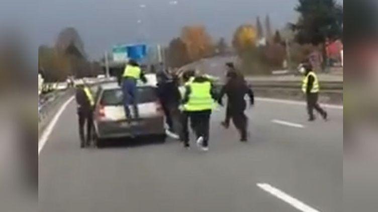 Capture d'écran de la vidéo de la journaliste Nelly Assénat. (NELLY ASSENAT/RADIOFRANCE)