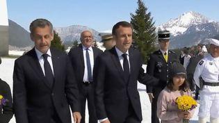 Emmanuel Macron et Nicolas Sarkozy étaient réunis en Haute-Savoie pour un hommage aux résistants sur le plateau des Glières. (FRANCE 2)