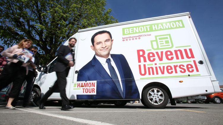 En France, le concept du revenu universel avait été popularisé par le candidat socialiste à la présidentielle Benoît Hamon en 2017. (MAXPPP)