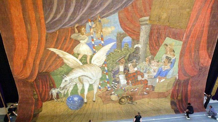 """Picasso : rideau pour le ballet """"Parade"""" (1917)  (SAMANTHA SIN / AFP)"""