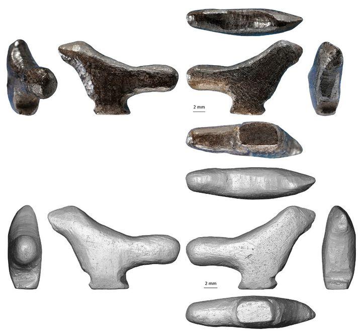 Un passereau sculpté dans de l'os brûlé découvert en Chine en juin 2020, sous toutes ses facettes. Daté de 13.500 ans, il devient la plus ancienne figurine d'Asie de l'Est. (DR. FRANCESCO DERRICO / UNIVERSITY OF BERGEN )