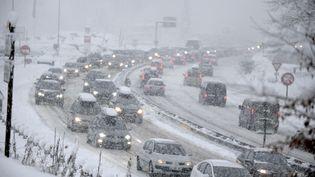 La préfecture de Savoie avait ouvert trois centres d'accueil, samedi 30 décembre 2017, pour accueillir les automobilistes bloqués par la présence de neige. (Photo d'illustration) (JEAN-PIERRE CLATOT / AFP)