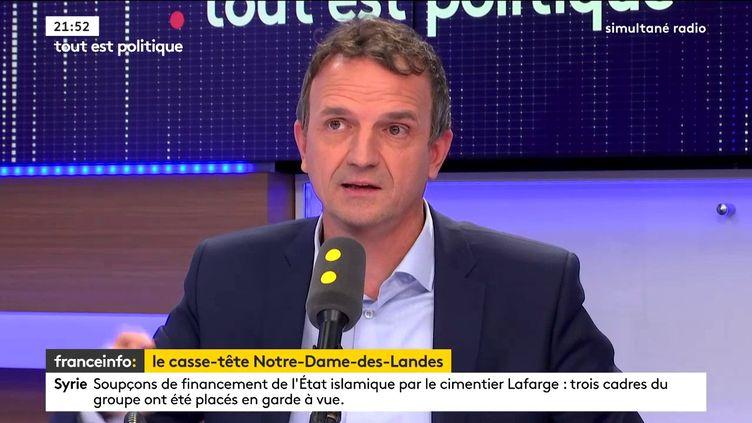 François-Michel Lambert, député LREM des Bouches-du-Rhône, était l'invité de Tout est politique, mercredi 29 novembre sur franceinfo. (FRANCEINFO / RADIOFRANCE)