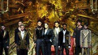 """L'actrice Monica Bellucci et la mannequin Naomi Campbell, star des années 80, ont créé la sensation en défilant pour la maison italienne Dolce&Gabbana, qui a offert un show autour des """"contraires qui s'attirent"""", à la Fashion week de Milan.   (IPA Agency/Maxppp)"""