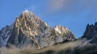 L'Aiguille verte, dans la vallée de Chamonix (Haute-Savoie). (JEAN-PHILIPPE DELOBELLE / BIOSPHOTO / AFP)