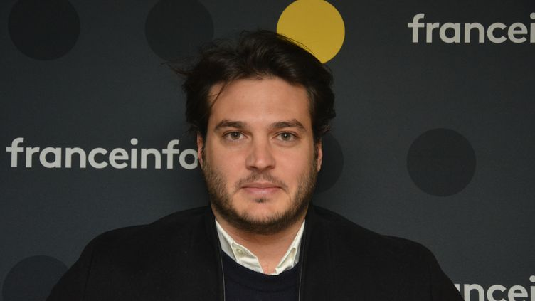 """Bastien Cadéac, présentateur de """"Capital"""" sur M6 . (JEAN-CHRISTOPHE BOURDILLAT / RADIO FRANCE)"""