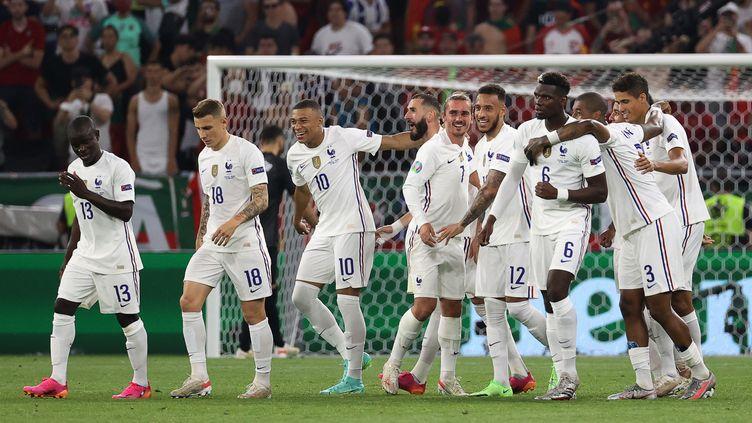 Malgré son match nul contre le Portugal (2-2), la France s'est qualifée pour les huitièmes de finale de l'Euro mercredi 23 juin 2021. (BERNADETT SZABO / AFP)