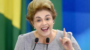La présidente brésilienne Dilma Rousseff, le 22 mars 2016 à Brasilia (Brésil). (ANDRESSA ANHOLETE / AFP)