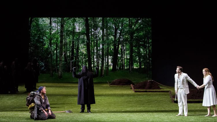 Pavol Breslik (Tamino) et Julia Kleiter (Pamina) à droite  (Opéra national de Paris/Agathe Poupeney)